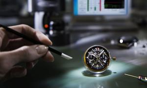 Unico flyback chronograph - bộ chuyển động khép kín của Hublot