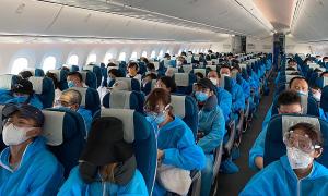 Hàng không Việt lần đầu chở khách đi Trung Quốc sau 5 tháng
