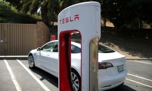 Tesla lãi 4 quý liên tiếp