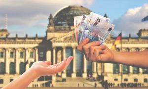 Núi nợ trăm năm của thế giới cao thêm vì Covid-19