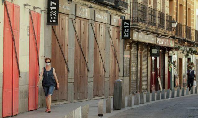 Tây Ban Nha đau đầu nghĩ cách tiêu tiền
