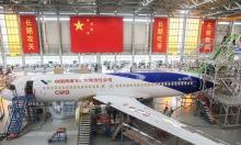 Hãng máy bay 'Made in China' vào danh sách đen của Mỹ