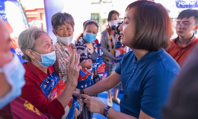 FPT Long Châu tặng 70.000 phần quà cho các hoàn cảnh khó khăn