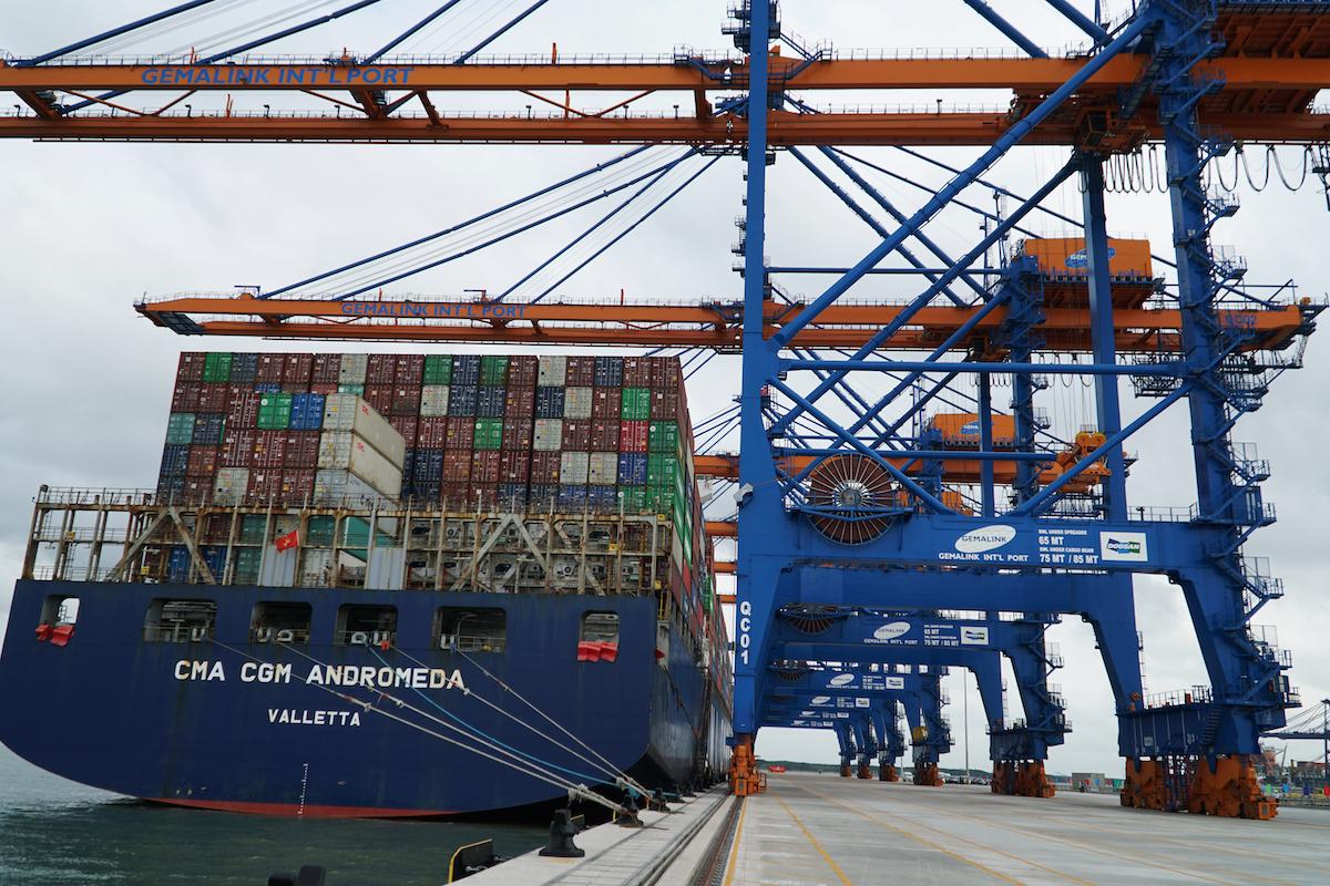 Thị trường logistics Việt nguy cơ rơi hết vào doanh nghiệp ngoại