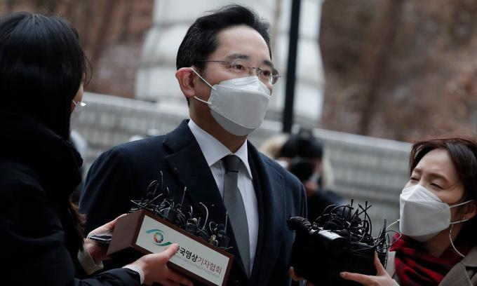 Tổng thống Hàn Quốc cân nhắc tha tù cho người thừa kế Samsung