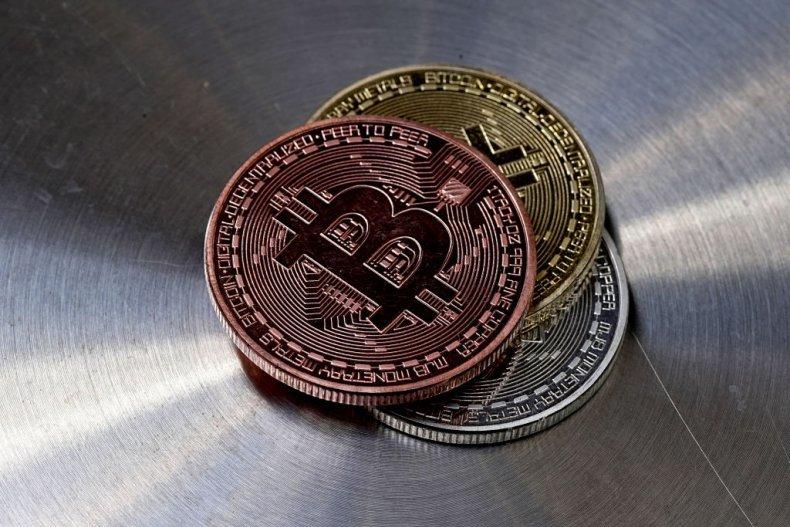 Bitcoin thủng mốc 30.000 USD không đủ gây sợ hãi