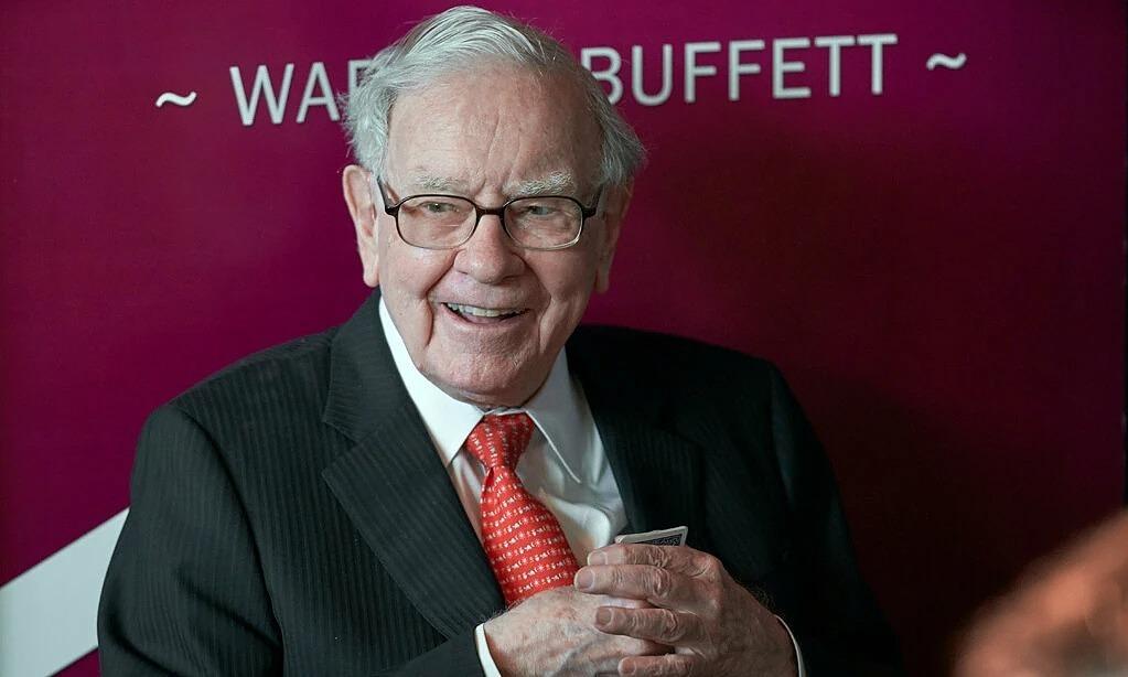 Warren Buffett đã từ chức tại Gates Foundation