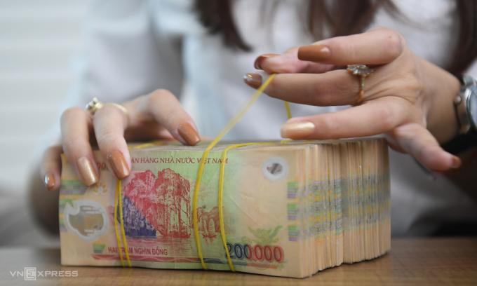Dragon Capital: Lãi suất khó giảm thêm